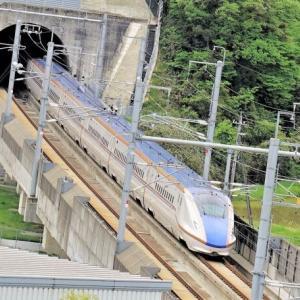1962(昭和37)年6月9日は、北陸本線の敦賀駅と南今庄駅間に、当時日本最長の「北陸トンネル」が開通した。