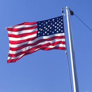 1777年6月14日は、アメリカの星条旗を、正式に国旗として制定した日。
