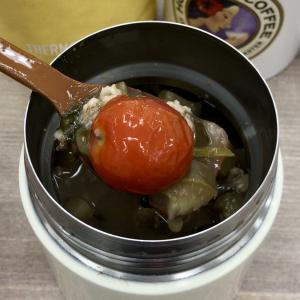 ナスとミニトマトのもずくスープ オートミール