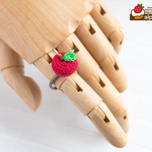 ちっちゃなあみぐるみりんごのリング