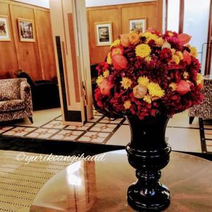 4つ星ホテルさまへ♪ 定期装花はじまりました。