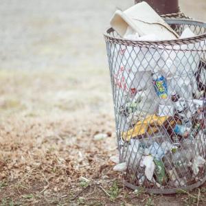 公園でゴミをポイ捨てしていた小学生。ゴミをもらうようにしたらポイ捨てをしなくなった話