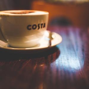 イギリスのカフェ Costa Coffeeのヴィーガンハム&チーズトースティー【ヴィーガンレビュー】