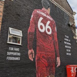 リバプールFCストリートアートめぐり 街中に溢れるLFCファンの愛