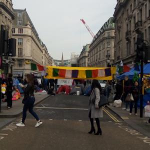 Extinction Rebellion:ロンドンのメジャー道路が封鎖!環境問題・ 気候変動についての抗議