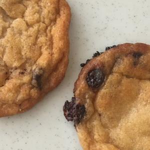 クッキーモンスターも驚愕!2分未満で!魚焼きグリルで!焼き立てソフトクッキーが味わえるコストコの「Eat Pastry」チョコチップクッキー生地