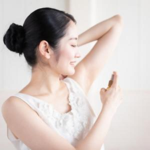 脇汗が気になる季節!効果的な「脇汗対策」でバッチリ女子力キープ!
