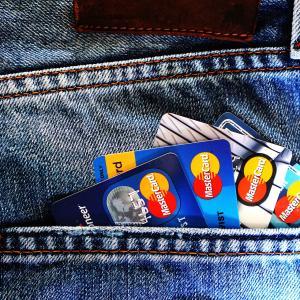 クレジットカードの入会でポイント!条件に注意