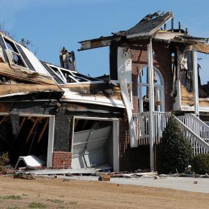 火災保険料に都道府県ごとに水害リスク反映させる方向に