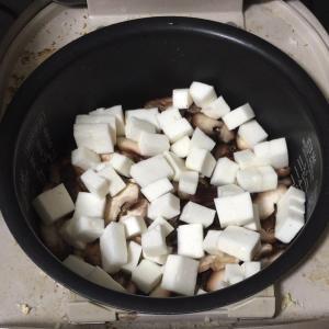 ズボラおやじの簡単レシピ(81):はんぺんと椎茸の炊き込みご飯(栄養バランス 食事 レシピ)