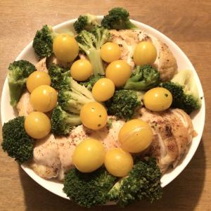 ズボラおやじの簡単レシピ(111):鶏むね肉のローストチキン (サラダアレンジ編)