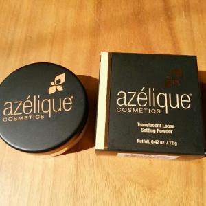 テカリを消して、透明感のあるサラサラ肌に Azelique 半透明ルースセッティングパウダー