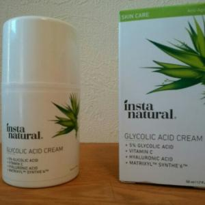 コラーゲンを強化して、プリプリな若々しい肌へ インスタナチュラル 5%グリコール酸ナイトクリーム