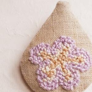いちじくのお花のブローチ