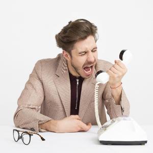常に人を悪く疑う習性。大企業社員の悪いところ。(前職の不満点32)