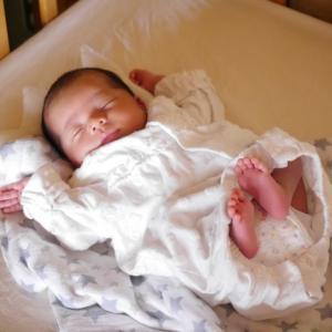 寝室、リビング… 赤ちゃんをどこに寝かせるか?赤ちゃんの最適な居場所を考える。