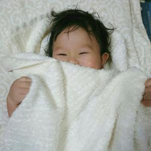 ライナスの毛布って、やめさせた方が良いの?自身もライナスの毛布を持つママが考える。