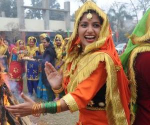 インドのお祭り「ローリ」