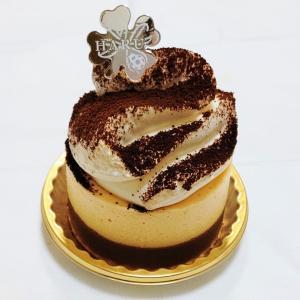 江東区 パティスリー&ブーランジェリー ハル ティラミスと抹茶のNYチーズケーキ