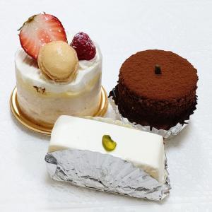 西洋菓子しろたえ 人気のレアチーズケーキと他のケーキ