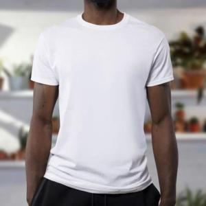 乳首透け・乳首浮きは絶対NG!分厚いTシャツ以外の方法で対策!