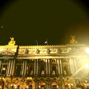 パリで爆発物⁉️ 事故に遭っても大丈夫になる秘策