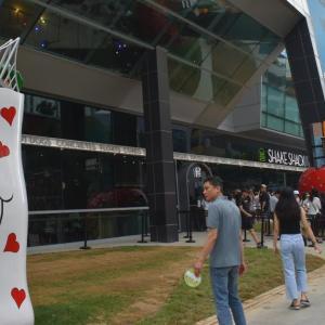【観光】今、釜山ソミョンを熱くする「Shake Shack」と「Etude House」!?