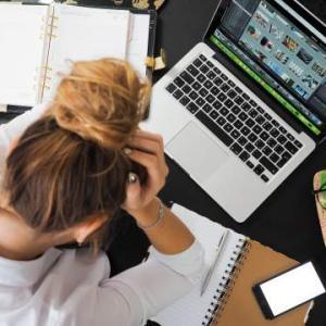 仕事が終わらない残業女子はTOEICをやるべし。