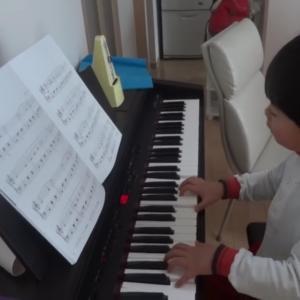 5歳⑦とにかく楽しく弾き語り🐵ぴあのまる🐵