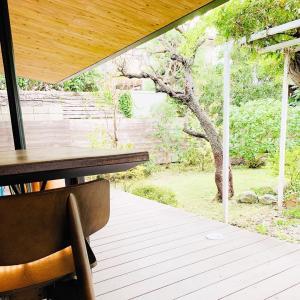 漫画家さんの邸宅跡地に建てられた、特別なスタバ「スターバックスコーヒー 鎌倉御成町店」さん。
