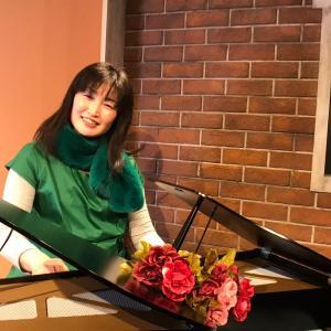トイピアノ2台弾きの林田真理子です♡