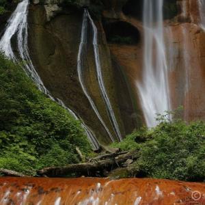 嫗仙の滝 ~草津の秘瀑!一度見たら忘れられない美しき滝~