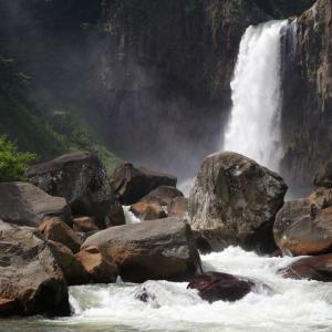 〔100名瀑〕苗名滝 ~日本を代表する屈指の名瀑!魅せられ滝壺まで~