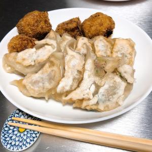 横浜の菊名の駅前にある、超お得な中華料理のお店「おがさや」さんの餃子と、「らっき~亭」里芋コロッケで漢飯