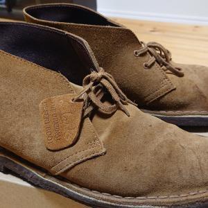 クラークスのブーツが熱い!!カッコ可愛い、おしゃれなレザーブーツ…値段も安いので釣りやアウトドアにも…