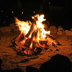 焚き火を親子で楽しむ!!激安 焚き火台を使ってみた… 目指せ、焚き火マイスター!!