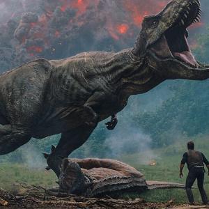【画像あり】ティラノサウルス、最新の研究で姿が更新されメッチャかっこよくなる!!