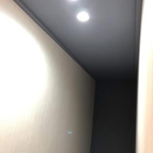 ちょっとした店舗の階段廊下のリフォームとダウンライトの有効活用方法