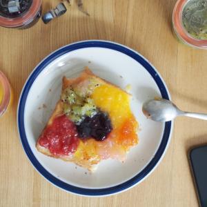 いろいろジャムトーストで朝ごはん