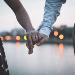 【AEW】キップ・セイビアンとペネロペ・フォードが婚約