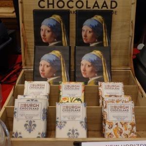 《真珠の耳飾りの少女》の大きなチョコ~Van der Burgh Chocolaad in Delft