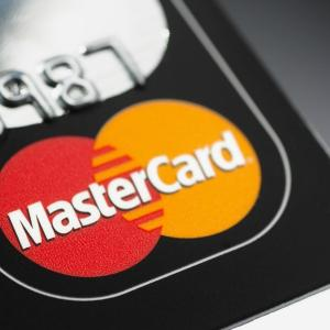 アフリカでは、銀行いらずでマスターカードが使えるようになりそうです。