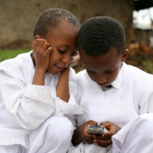 まだまだ高いアフリカのネット料金