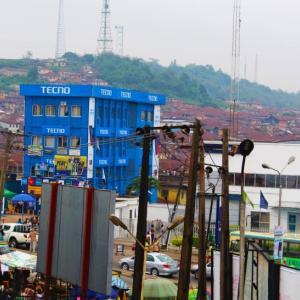 アフリカのモバイル関連は益々中国化が進んでいるようです。