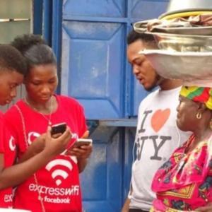 フランスがアフリカの通信環境改善に寄与か
