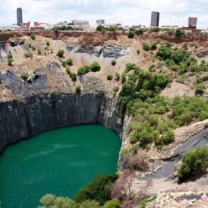 南アフリカの鉱山の部品調達はその場で3Dで