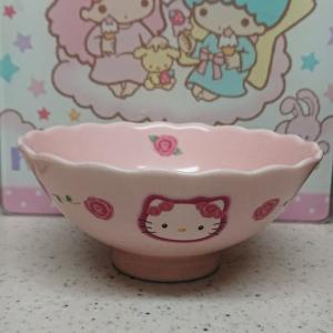 キティちゃんのお茶碗。わが家のサンリオグッズ紹介。