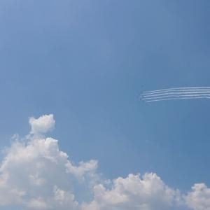 東京上空をブルーインパルスが飛びました