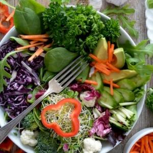 【ベジファースト】野菜を最初に食べる5つの効果とは?