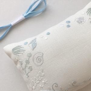 【オーダーメイド】海をイメージした貝殻刺繍のリングピロー